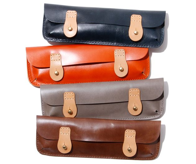 Hobo Pencil Case in Oiled Leather ~ These are scrumptious & I wouldn't mind one in a faux-leather version.