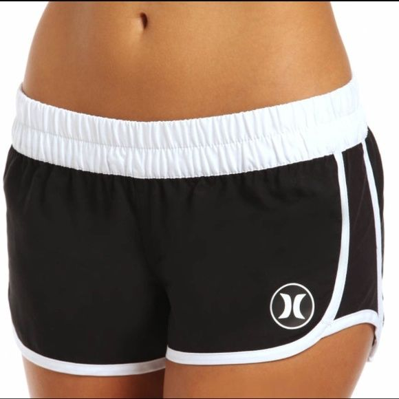 Hurley women's supersued bord shorts Black and white Hurley super sued bord shorts perfect for water sports, running shorts or over a bathing suite. Run a little big fits like a small Hurley Shorts