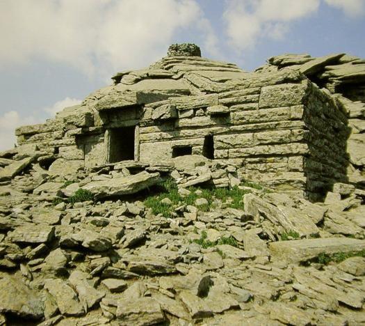Dracon houses - South Evia