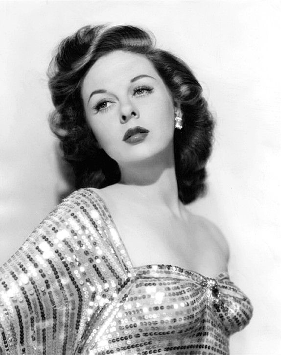 Susan Hayward, 1948 - Hayward labored for 10 years in Hollywood before her standout performance In Smash-Up which brought her the first of her 5 Academy Award nominations. (She finally won in 1958 for her searing performance as a woman on death row in I Want to Live!)