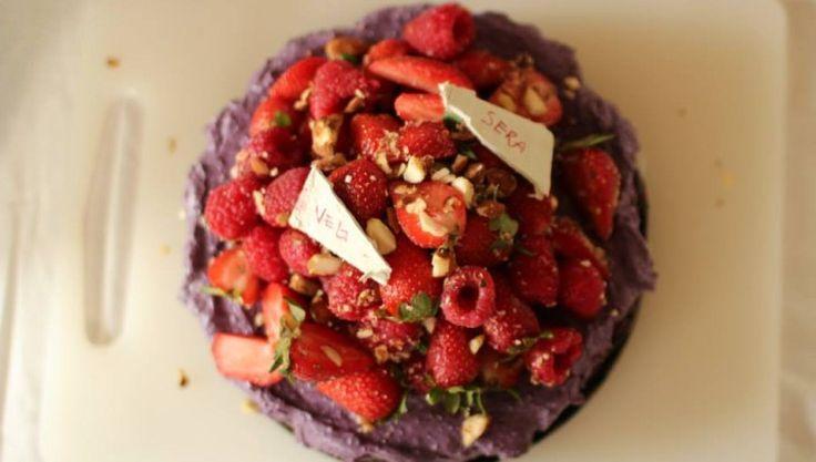 Raw brownie and berries cheese cake #vegan #raw