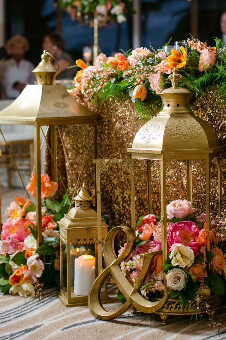 Decor inspiration for a navy and coral themed wedding | Set Free Photography