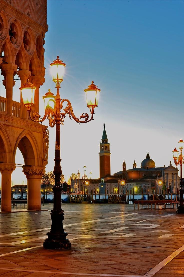Venise                                                                                                                                                                                 Plus