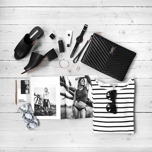 The black and white combination never goes out of style #snakesnow #techfashion…
