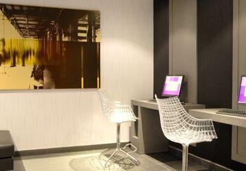 Dispones de un espacio dedicado a la comunicación. Y por si fuera poco, Wi-Fi gratis en todo el hotel. ¡Esto es ILUNION Almirante! http://www.ilunionalmirante.com/
