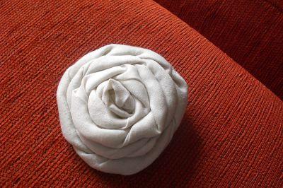 Flores de tela enrollada