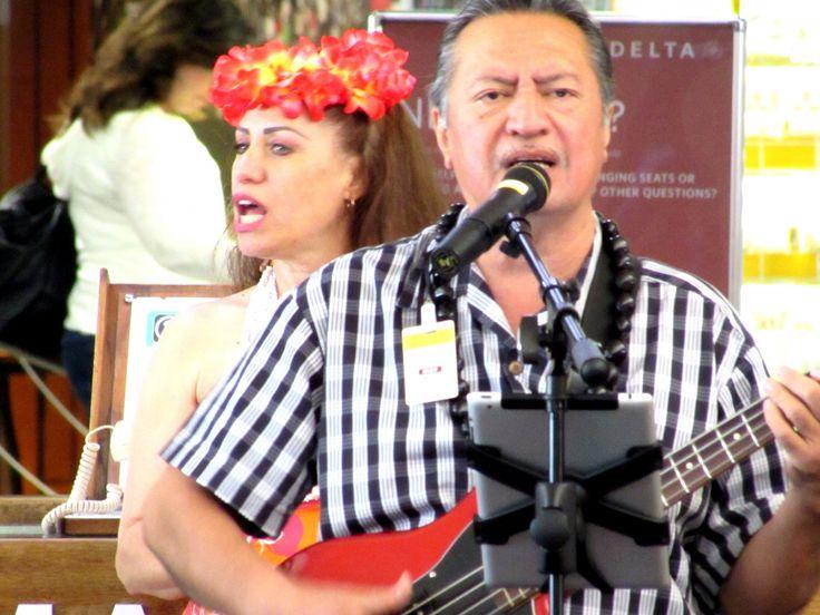 https://flic.kr/p/RLYpE9 | Airport entertainment | Honolulu International Airport