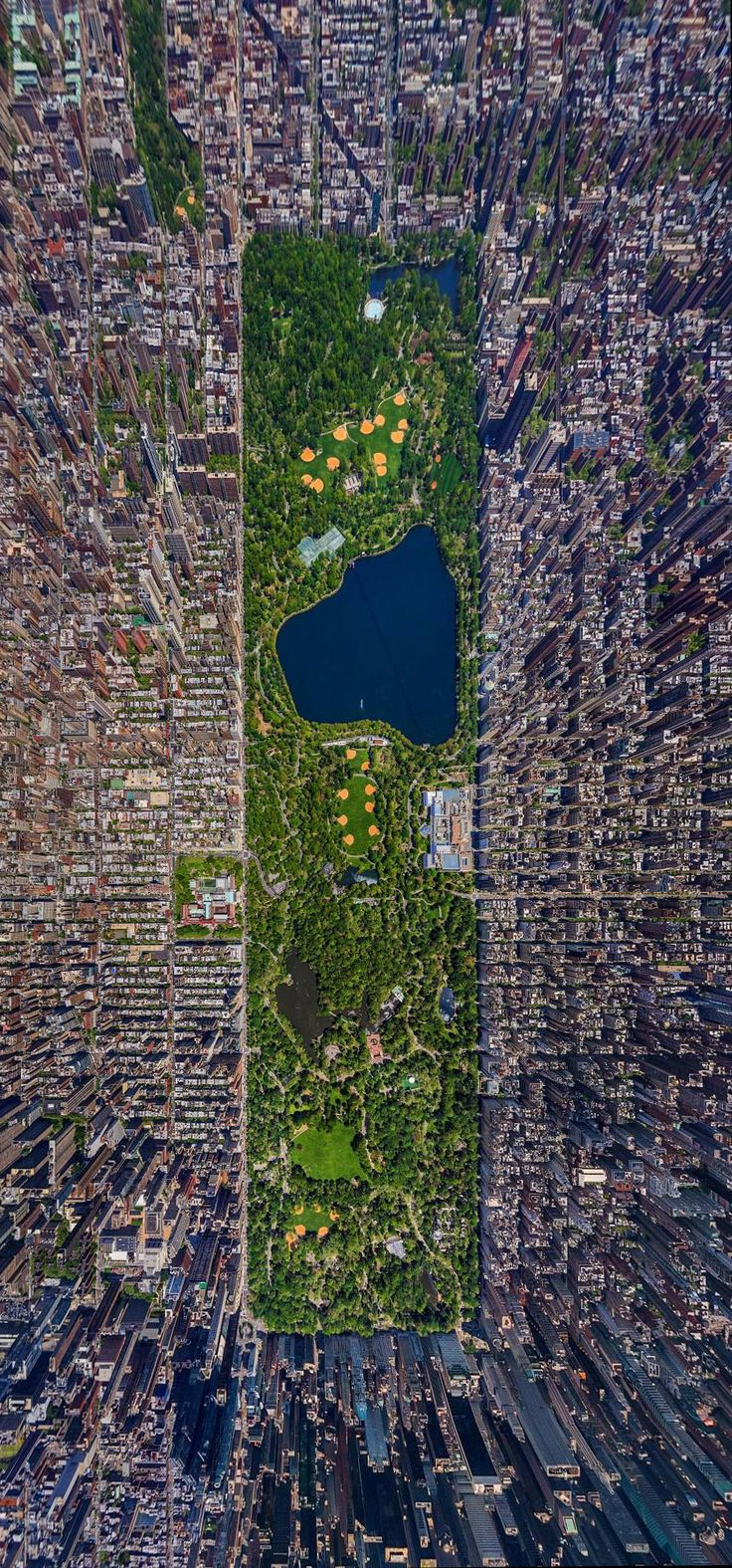 This birds eye view of NYC is very interesting. The green in the middle is a good focus point and it's so cool to be able to see a lot of the city