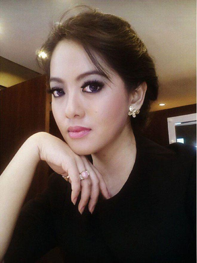 Putri Violla, Presenter Bola Indonesia Secantik Syahrini | Plus.Kapanlagi.com
