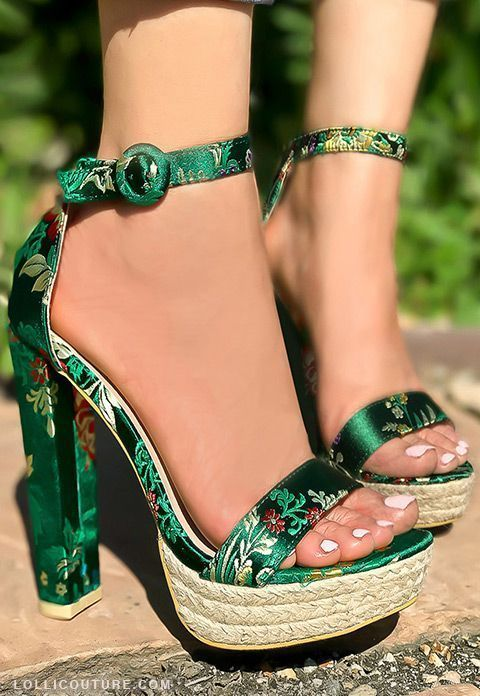 These high heels shoes feature a oriental print , open toe ,ankle strap buckle ,platform measure about 1.5 inches , chunky high heels shoes measures about 5 inches. #chunkyanklestrapsheels