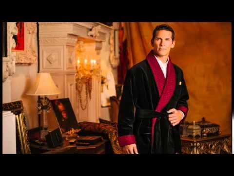 A designer mens velvet robe looks good if it fits the wearer properly. These robes are made of velvet which imparts a glossy and royal look in them. Those who want to have these robes can opt for an online purchase as in most of the cases these robes are sold online. However, clients have to place an order mentioning the right size and color while opting for online purchase.