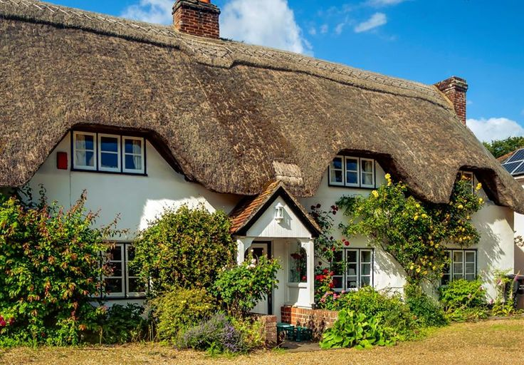Thatched Roof / Nether Wallop Village, Hampshire, England
