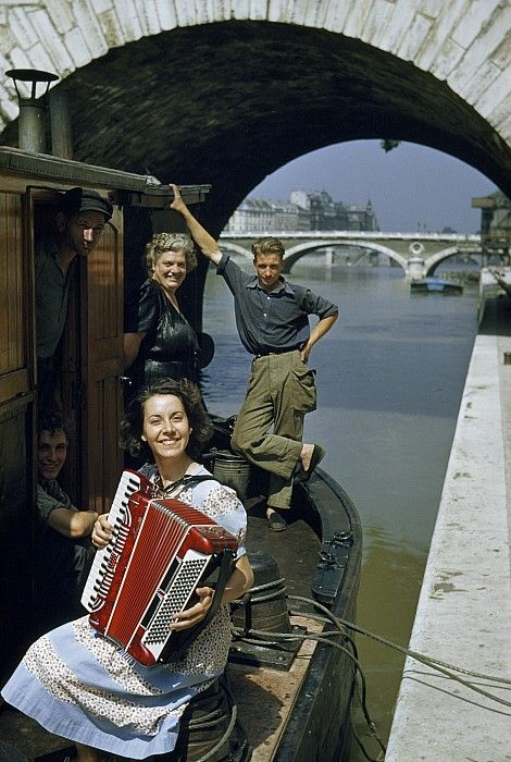 Chamade - Vintage French Photos - Justin Locke - Paris 1950s