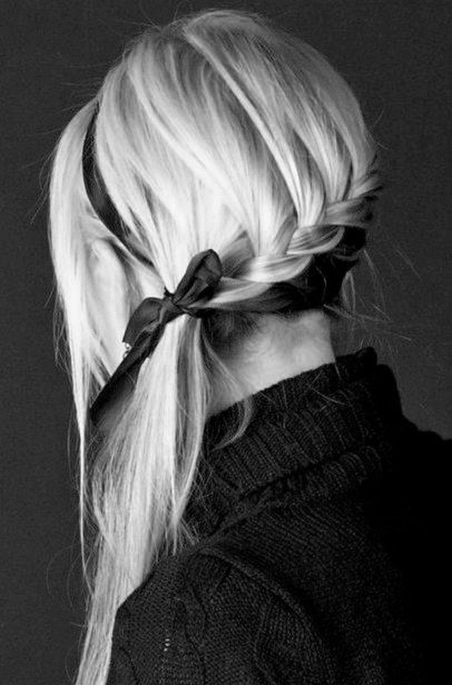 I am a huge fan of girly-braidy-blonde hairstyles. Below you can see some hairstyles that I have tried and others that I want to try.     ...