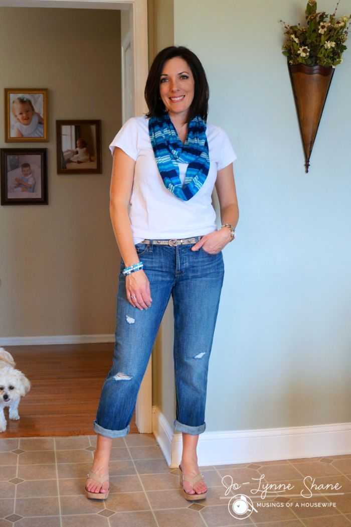 How To Wear Jeans And A T Shirt Fashion Style Women