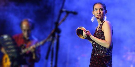 Efernyfy Music: Monita Tahalea