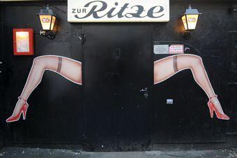 """Fotografie - Thomas Panzau / Reeperbahn auf das """"Alles rund um Hamburg""""-Board gepinned von der Werbeagentur www.BlickeDeeler.de"""