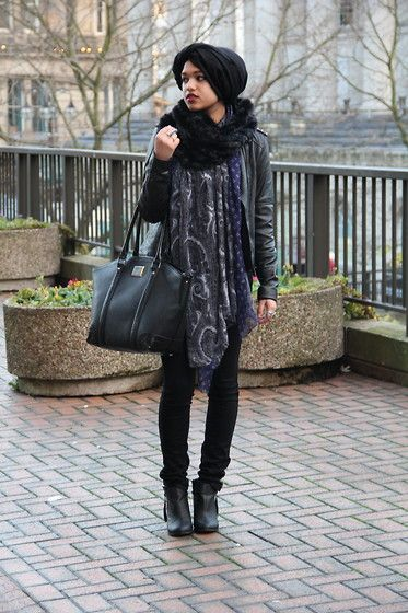 Simply Hijabs Black Hijab, Primark Faux Fur Snood, Imaan & Beauty Printed Scarf, Debenhams Black Bag, Asos Studded Leather Jacket, H&M Black Skinny Jeans, Missguided Chelsea Boots