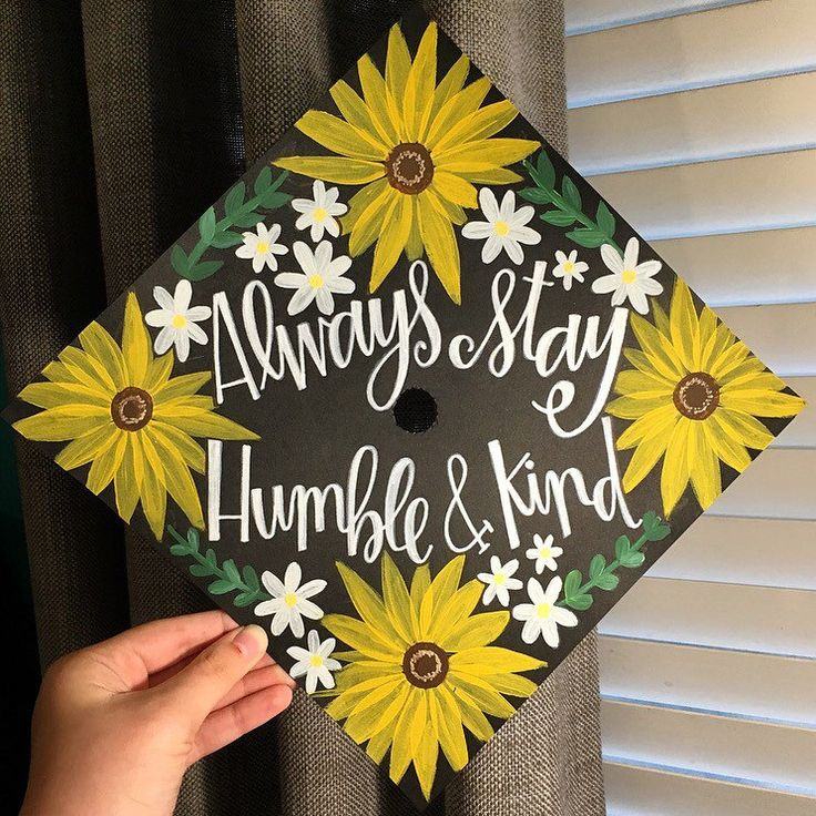 Sunflower Graduation Cap Inspiration | Grad Cap Ideas | Hand Painted Grad Cap Topper