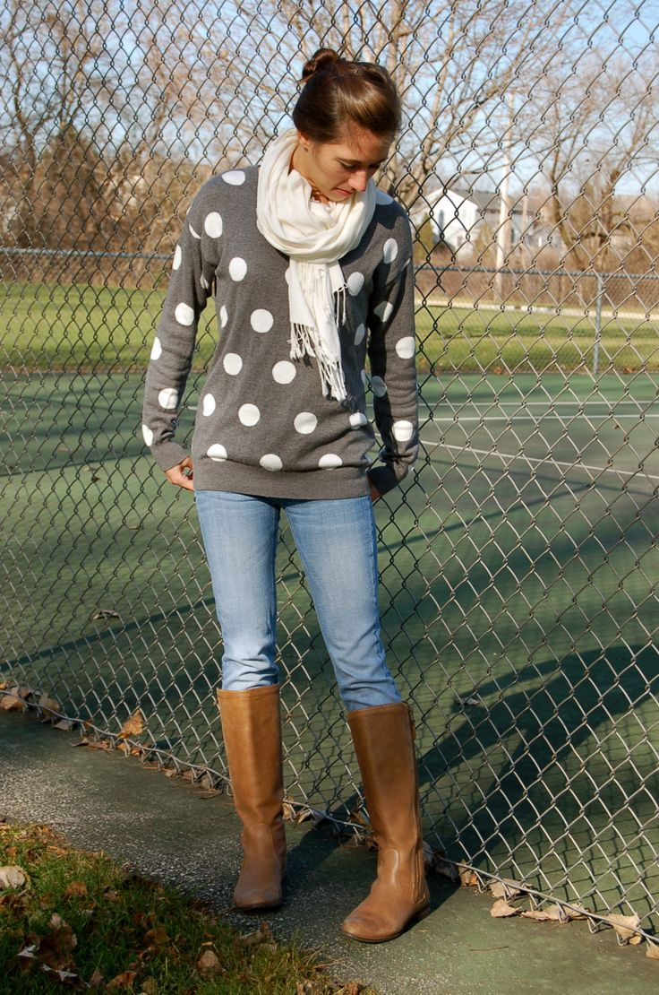 casual shopping outfit love the big dots and I have the jeans and boots to match i need a white scarf