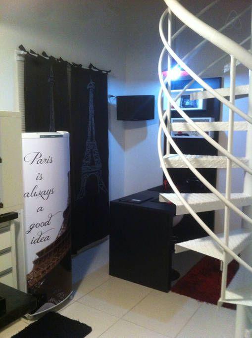 Escada caracol para acesso ao quarto