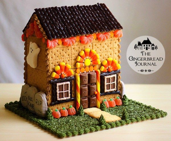 Halloween Gingerbread House Tutorial; www.gingebreadjournal.com