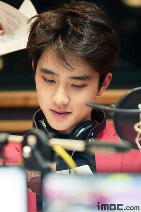 D.O EXO at Sunny fm date radio