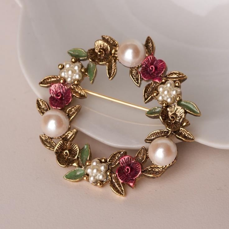 Vintage Brooch Faux Pearls and Enamel Flowers.