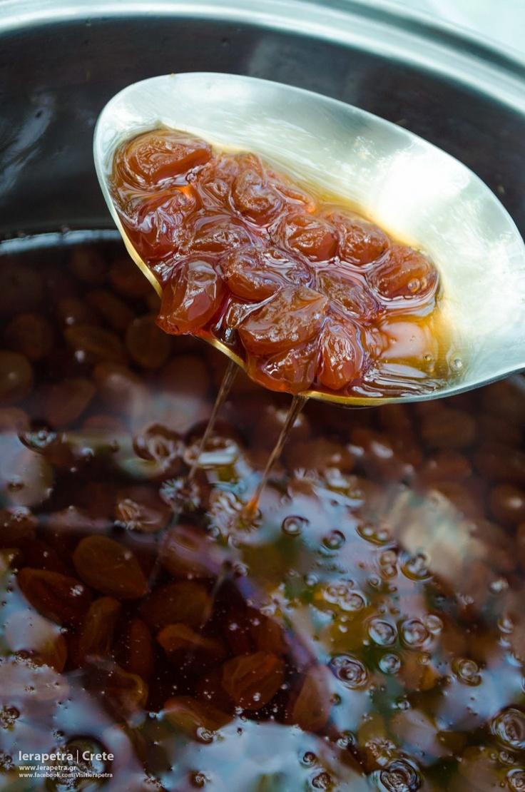 Grape spoon sweet!Γλυκό του κουταλιού σταφύλι!   (CC-BY-SA 3.0)