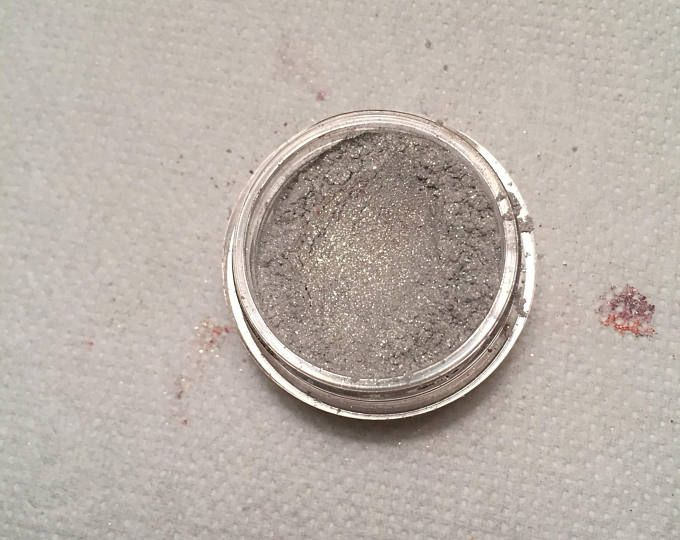 May the Dread Wolf Take You: A Solas Inspired Eyeshadow