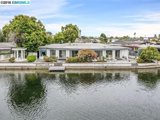 There are many homes available for sale in Alameda, a city with many reasons for people to relocate to. Contact a reliable real estate agent that can help you make the right choice for buying a home as per your needs and budget.