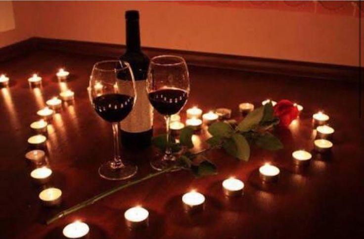 |Especial Dia dos Namorados|  Dicas econômicas de decor. Invista em  velas você pode usar qualquer tipo até vela de rechaud basta usar com criarividade e arrazar no look da mesa. Tem um post completinho de dicas econômjcas lá no blog http://ift.tt/1G1h5N2  #ideia #lardocecasa #diadosnamorados #decor #homedecor #candle #lardocecasadiadosnamorados #receberbem #tabledecor #olioliteam #romantico #diy #mood #ootd