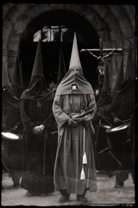 This is still going on today ---  Current Klan organizations  Bayou Knights of the Ku Klux Klan, prevalent in Texas, Oklahoma, Arkansas, Louisiana and other areas of the Southeastern U.S.   Church of the American Knights of the Ku Klux Klan   Imperial Klans of America   Knights of the White Camelia   Knights of the Ku Klux Klan, headed by national director and self-claimed pastor Thom Robb, and based in Zinc, Arkansas  It claims to be the biggest Klan organization in America today.