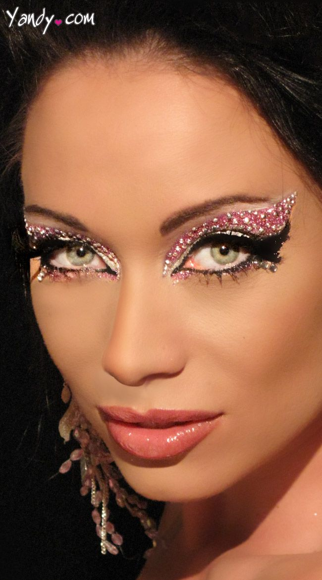 how to make loose glitter stick to eyes