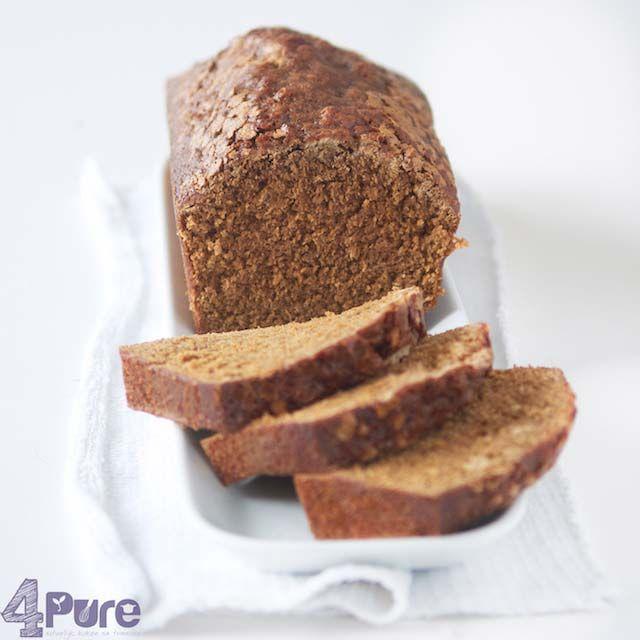 Dutch sweet bread, full of winter spices http://www.4pure.nl #recipe #dutch #kruidkoek #winter #cake #bread #sweet