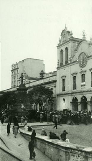 Largo S. Francisco e o monumento a José Bonifácio, datada de 1927, foto de…