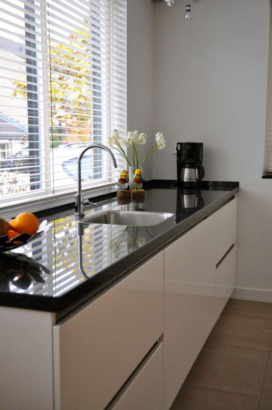 styling zwart granieten keukenblad