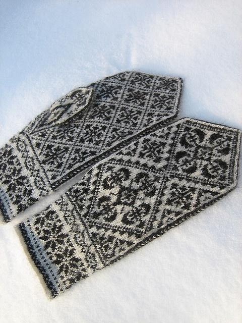 Oppland Mittens, Dec. 2009 - 5 by yarn jungle, via Flickr