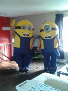 Coolest Homemade Despicable Me Minions Costume... This website is the Pinterest of costumes