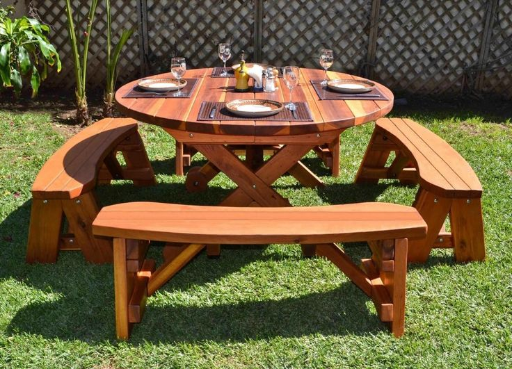 Round Wooden Picnic Table And Chairs