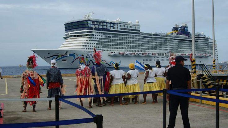 En 12 meses, 284 cruceros llegaron a Honduras con 819,000 turistas  El país está cumpliendo con las normas internacionales para alojar las embarcaciones. La mayoría de cruceros llegan de Europa.