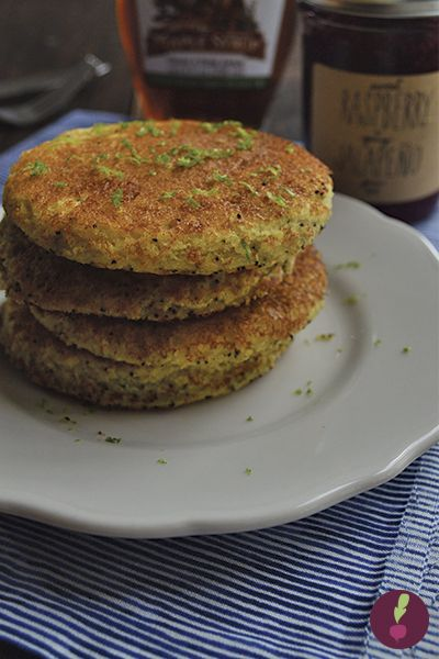 Pancakes de limón y semillas de amapola