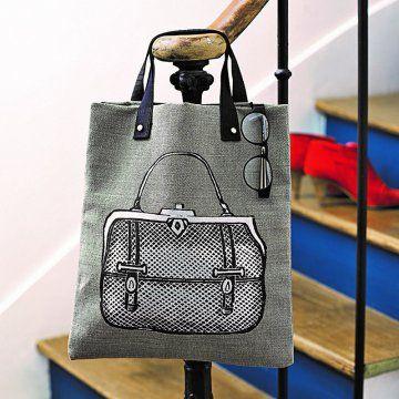 #DIY : On adore ce sac en trompe l'oeil ! Vous pouvez réaliser le même avec les peintures #Setacolor de #Pébéo !
