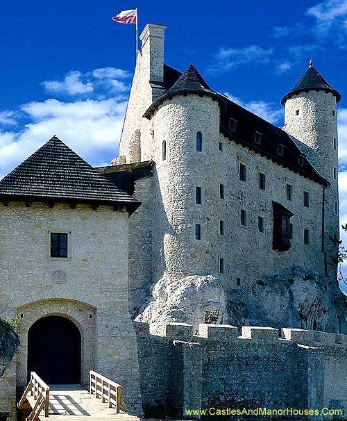 Bobolice Castle, Bobolice, Myszków County, Silesian Voivodeship, Poland. www.castlesandmanorhouses.com Bobolice Castle is a royal castle built in the middle of the 14th century in the Polish Jura.