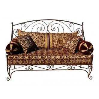schmiedeeiserne m bel wie dieses orientalische sofa aus eisen verbreiten nicht nur auf der