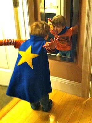 The Wyrd Sisters: Superhero capes