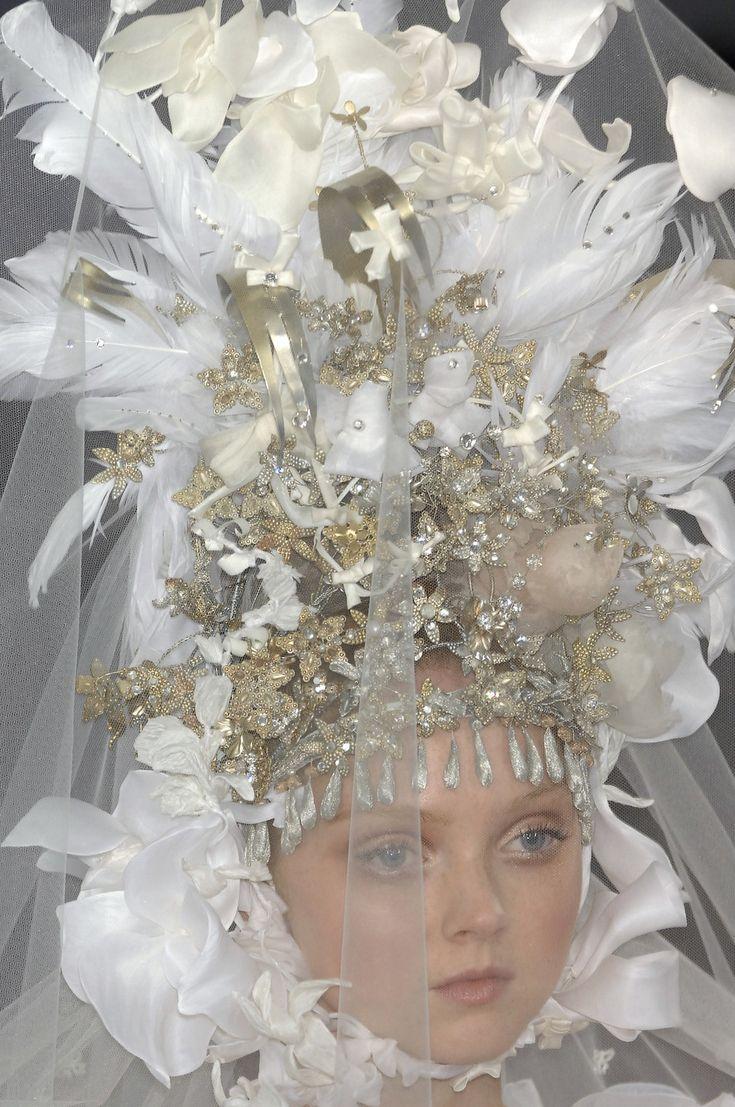 Christian Lacroix Wedding Dresses at Exclusive Wedding Decoration ...