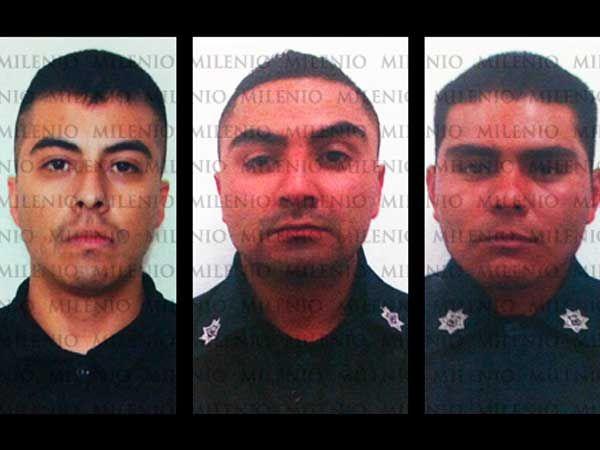 Esta es la policía de nuestro país, ahora ya no se puede confiar en nadie, estos hombres tienen que pagar por favor COMPARTE!