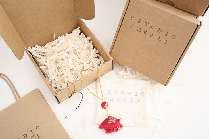 Eco friendly packaging #estudiovarali #newpackaging #selfpackaging #textiljewelry #pink #saree #handmade #jewelry #barcelona