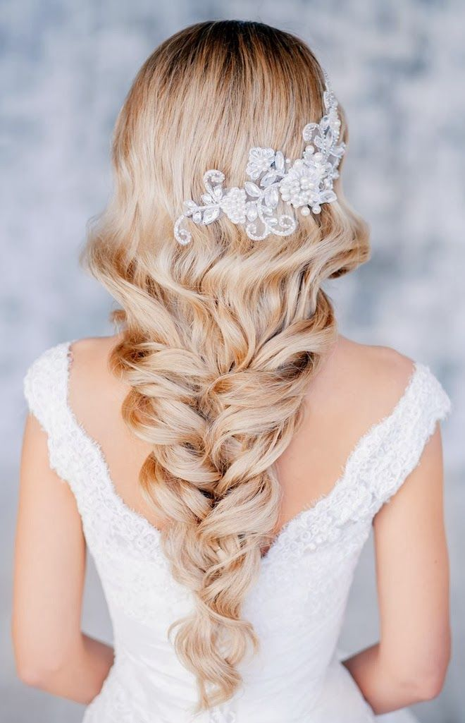 Steal-Worthy Wedding Hairstyles - Belle the Magazine The Wedding Blog For The Sophisticated Bride